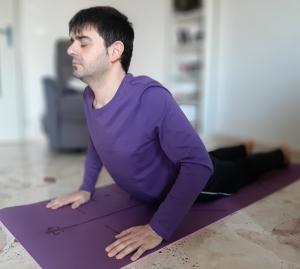 Cobra - posizione yoga